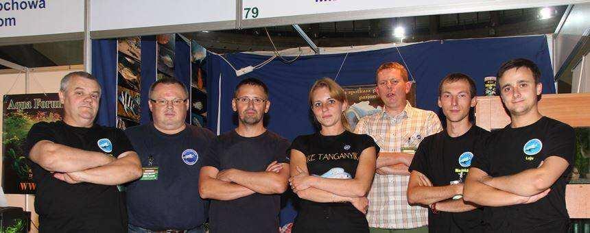 Z Klubem Miłośników Tanganiki na Zoobotanica 2013 (od lewej Marian, ja, Marcin, Asia, Piotr, Maciek i Kuba)